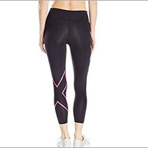 2XU women's compression 7/8s tights in bulk/Pink